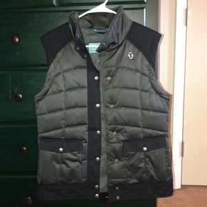 Scott women's puffy vest